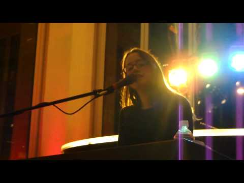 """Ingrid Michaelson """"The Chain"""" Live"""