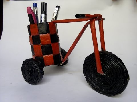 Newspaper Cycle Pen Stand