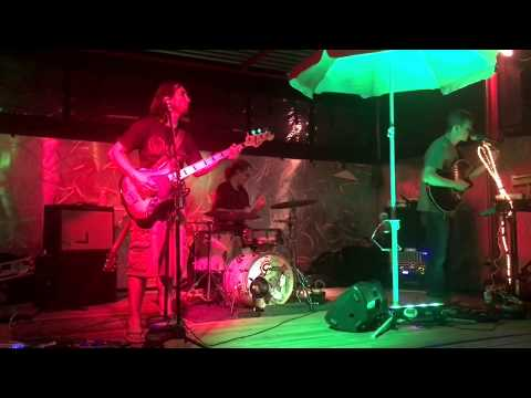 Qwisters - Reggae Music Medley  Live at  Jack Beagles - 5/19/17