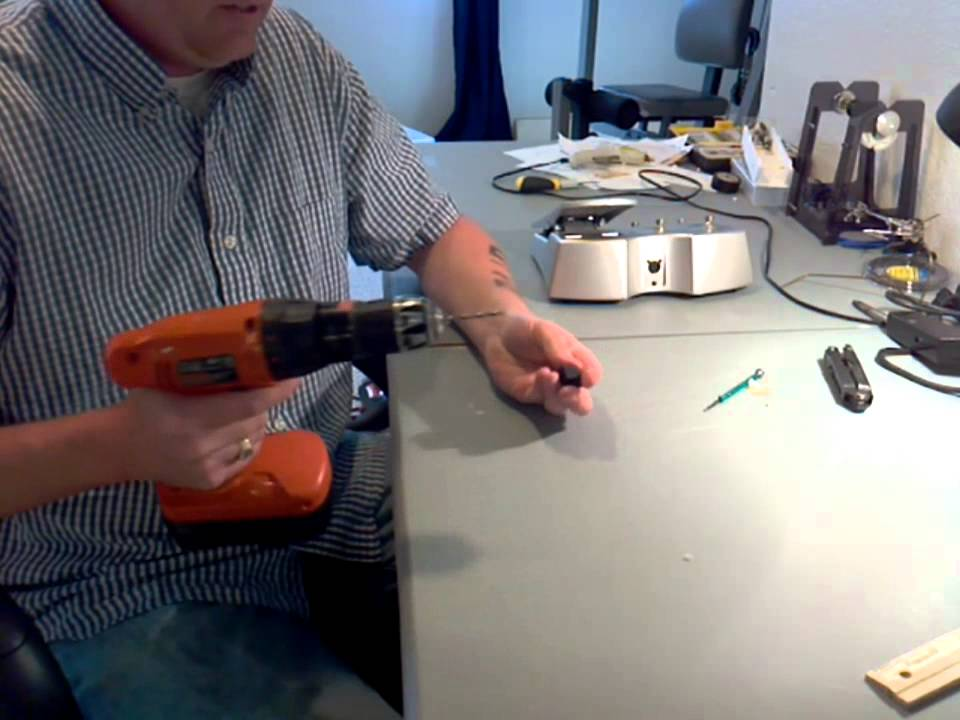 Peavey Sanpera foot switch fix - YouTube on