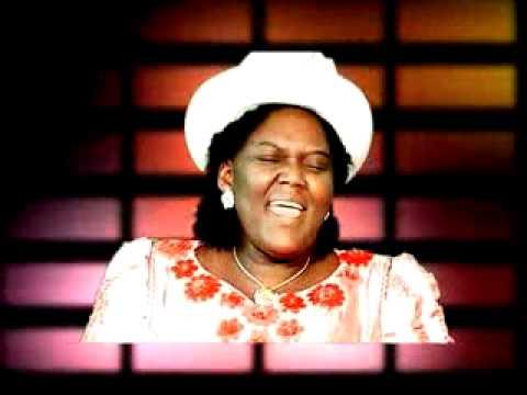 Mme Pasteur ABITOR - Je suis colle à toi-Me fia adzogbe-Kassa.http://www.muzikplus.tg