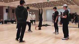 Gambar cover EXO- OBSESSION (DANCE PRACTICE)