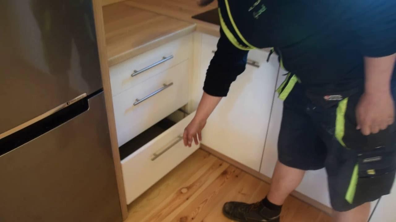 Zabudowa kuchni Dąb Sonoma  Biały zimny front akrylowy  YouTube -> Funkcjonalna Kuchnie Jak Urządzić