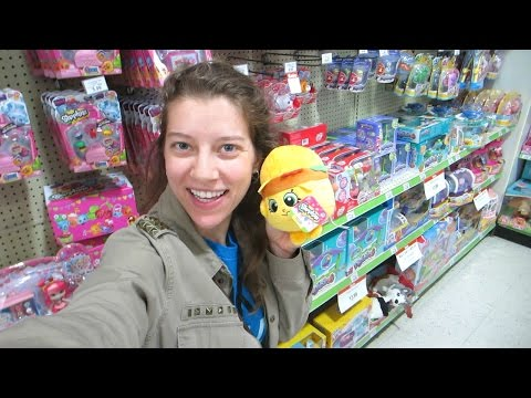 Toy Hunting #10! Tsum Tsum Mystery Stack Pack Series 2, Shopkins Plush, Splashlings, Barbies