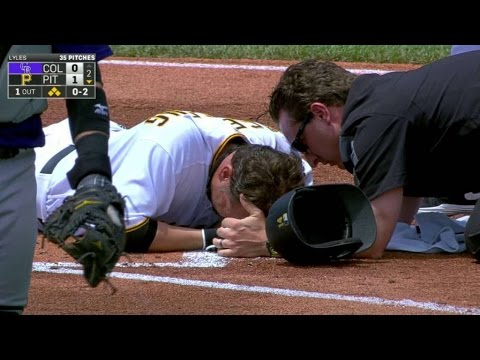 COL@PIT: Vogelsong leaves game on HBP that scores run