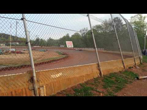 Brad Cross Boyds Speedway  Heat race