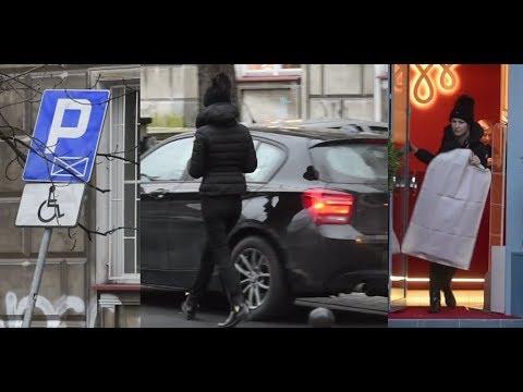 Ogórek ZASTAWIŁA samochód zaparkowany w miejscu DLA NIEPEŁNOSPRAWNYCH!