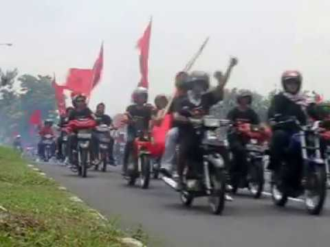 PDI Perjuangan on the road