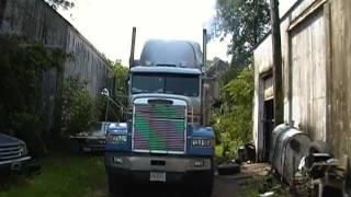 1990 Freightliner cold start., has 1979 Cummins Big Cam 400