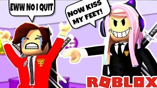 THE BOSSIEST MANAGER EVER IN ROBLOX PIZZA PLACE!