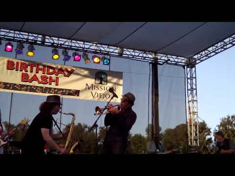 Grazin' In The Grass - Boney James & Rick Braun (Smooth Jazz Family)