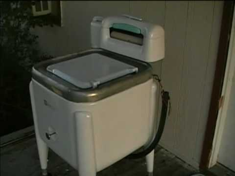 Maytag Wringer Washer Model E2l Repainted And Wringing