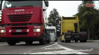 La rivolta dei motori a Tolè 2013 - Trattori e camion (tractor & truck)