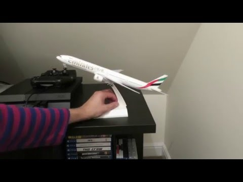 Unboxing: Emirates Boeing 777-300ER 1:200 Scale Aircraft Model