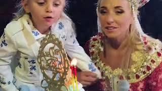 Дочь Татьяны Навки Надя Пескова отметила день рождения на льду