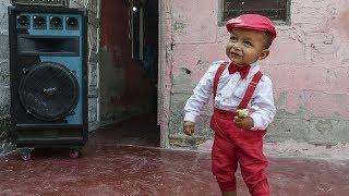 liam el nio al que le gusta ms el carnaval que jugar