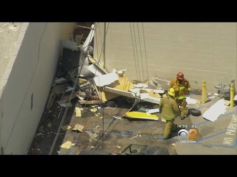 1 Killed In Small Plane Crash Into Side Of Van Nuys Building