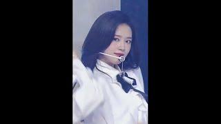 안유진 미장센(Mise…