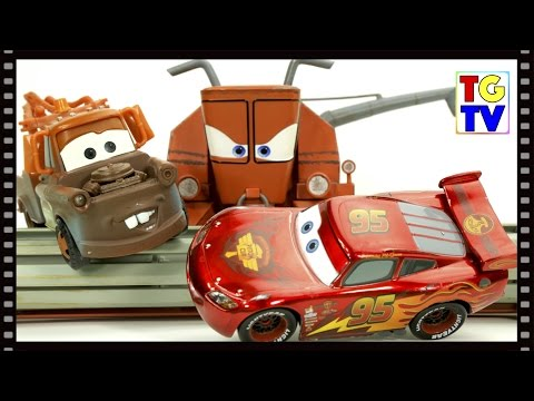 Disney Cars Toon Mater's Tall Tales - Tractor Tipping