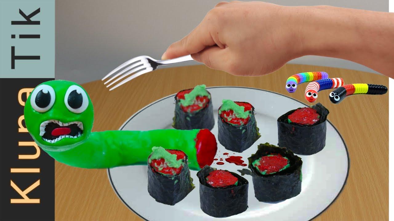 Klunatik eating Slither.io for dinner - ASMR food MUKBANG - Kluna Tik's FAN