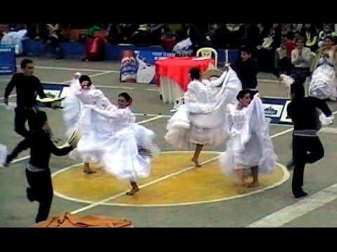 Coreografía del Club Libertad de Trujillo en el Selectivo de Huaral. Marinera Norteña