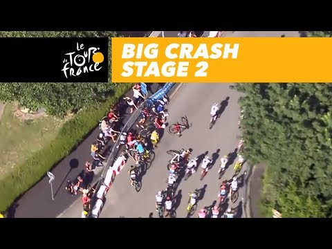 Big crash! - Stage 2 - Tour de France 2018