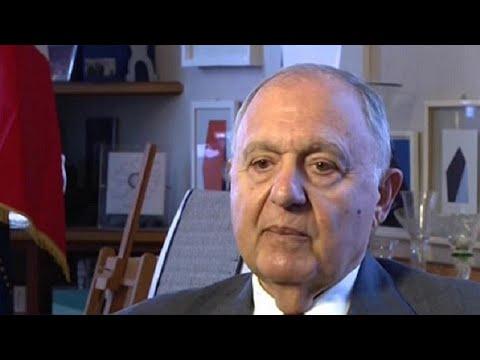 euronews (in Italiano): Il ministro degli Affari Europei Paolo Savona indagato per usura bancaria