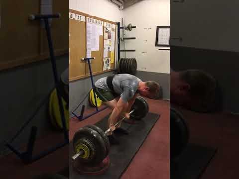 Rack pulls (5 cm) - 145 kg*7 @8