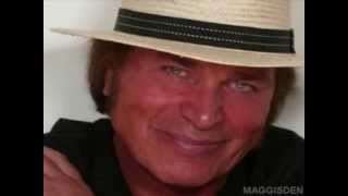Watch Engelbert Humperdinck Everybodys Talkin video