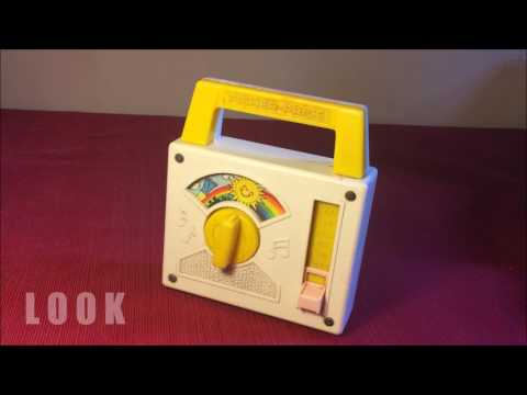 L O O K : OVER THE RAINBOW fisher price vintage 1981 music box radio