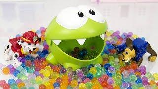 Ам Ням и Бассейн с шариками Орбиз. Мультики для детей