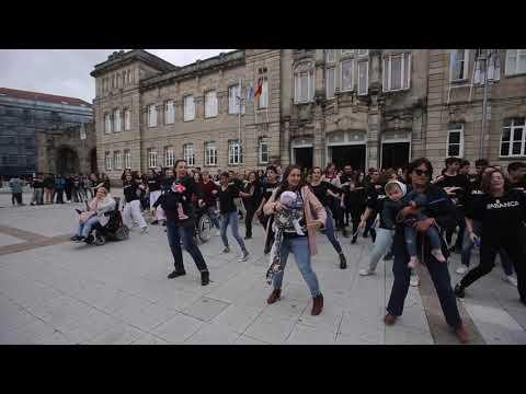 Un flashmob de los alumnos del Valle Inclán en el Día de Europa