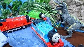 きかんしゃトーマスが動く橋や洞窟や氷山の線路を走るよぉ~!機関車トーマス トラックマスター!ゆうぴょん yupyon
