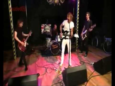 Damn Vandals - Revolution / Rehearsal. Live on Loaded TV's Dial M Show.
