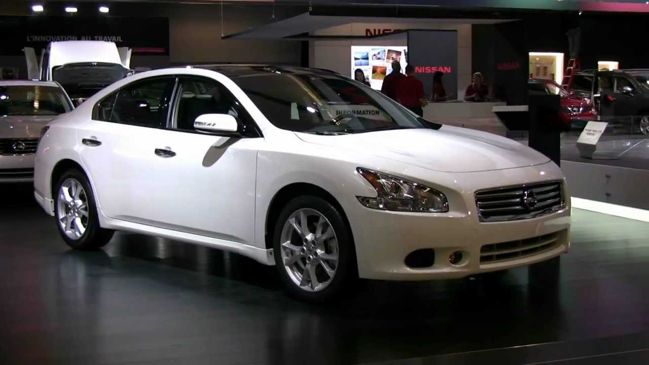 2012 Nissan Maxima Exterior and Interior at 2012 Montreal Auto Show