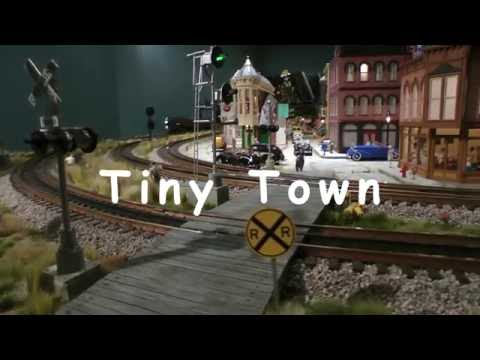 Tiny Town – O Gauge model train layout