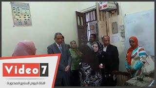 """بالفيديو.. وزير التعليم خلال تفقده معمل الحاسب الآلى: """"اية الكراكيب دى"""""""