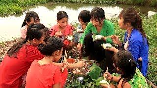 Cá Nướng Muối Ớt ngoài đồng ăn bằng lá Lục Bình mới ngon | Thôn Nữ Miền Tây Tập 94