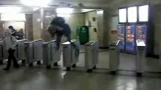 как войти в Московское метро без билета 5 способов