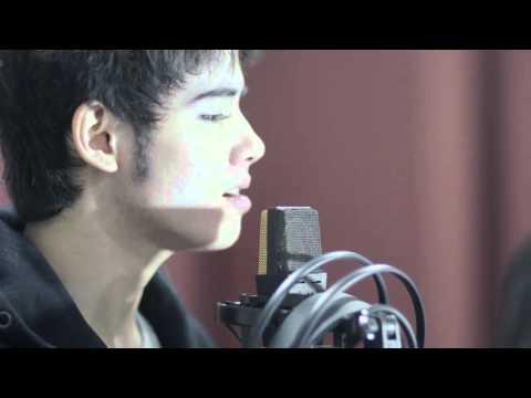 [HD] Aliando latihan vokal 'Inginku Bukan Hanya Jadi Temanmu' by Yovie & Nuno