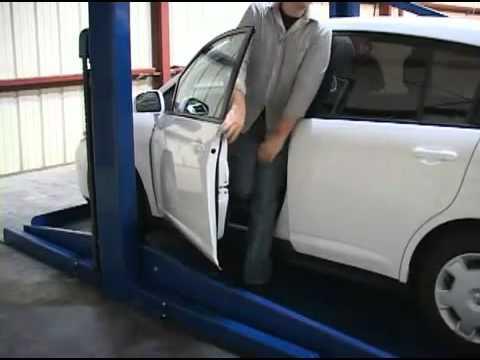 Ремонт двухстоечного автомобильного подъемника для автосервиса .