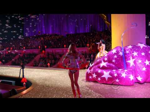 Katy Perry - Performance - Victoria's Secret Fashion Show 2010 (HDTV)