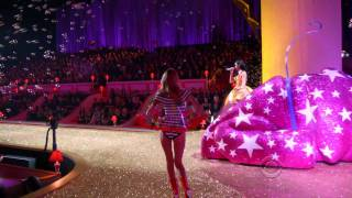 Katy Perry - Performance - Victoria's Secret Fashion Show 2010 (HDTV)(http://www.videomusic.co.cc/ Katy Perry - Performance - Victoria's Secret Fashion Show 2010 (HDTV), 2010-12-07T17:09:02.000Z)