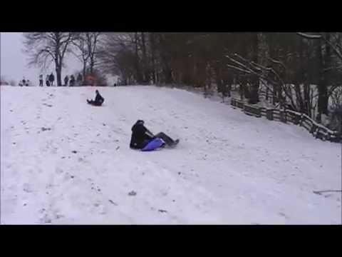 Schnee in Oesjbik