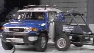 Crash Test 2007 Toyota FJ Cruiser IIHS (Side Impact)