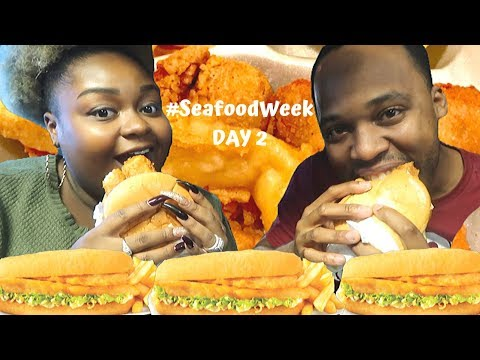 CAPTAIN D'S GIANT SPICY FISH SANDWICH #CARBANG | #SeafoodWeek DAY 2
