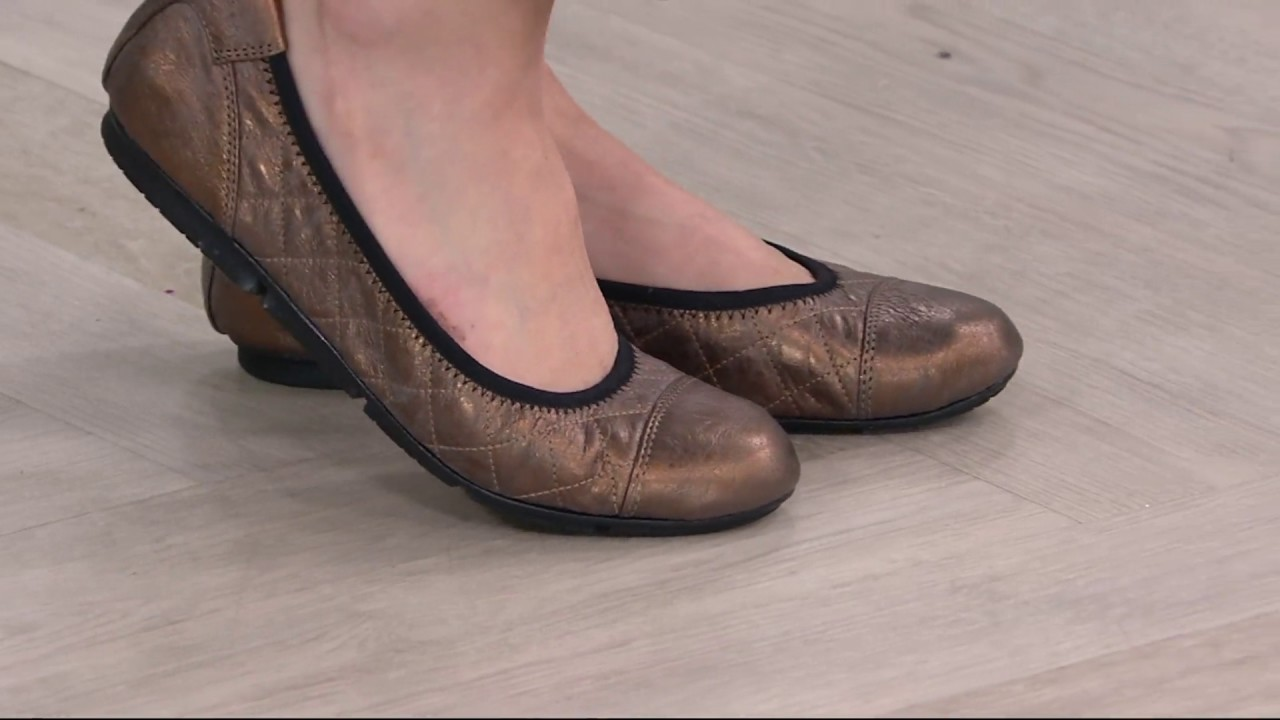 Vionic Orthotic Quilted Leather Flats
