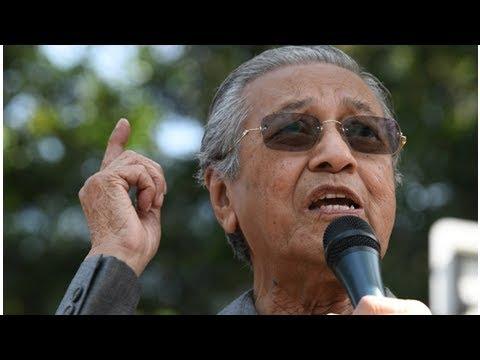 Mahathir threatens to 'squeeze' Malaysia PM Najib for 1MDB funds