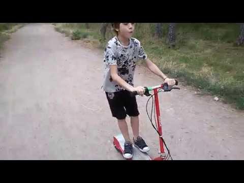 Детский электросамокат Razor E100 тест-драйв в Одессе парк Победы