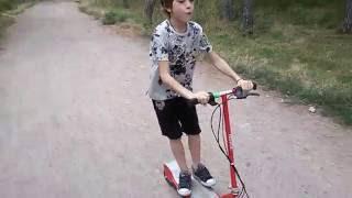 Детский электросамокат Razor E100 тест-драйв в Одессе парк Победы(, 2016-08-22T09:37:01.000Z)